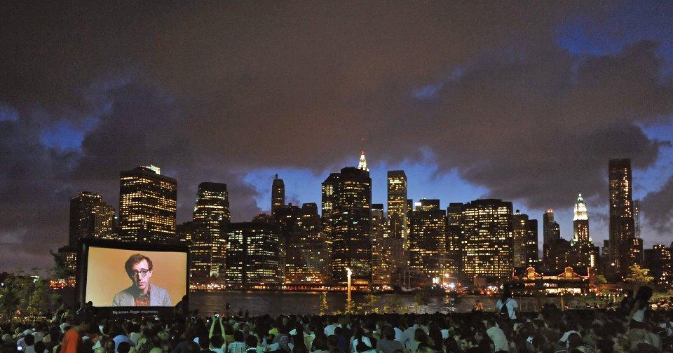 Resultado de imagen para cine en Brooklyn Bridge Park